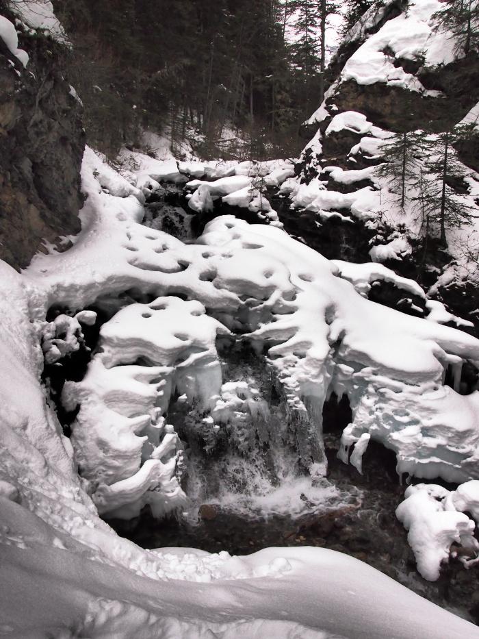 Falls on Three Sisters Creek