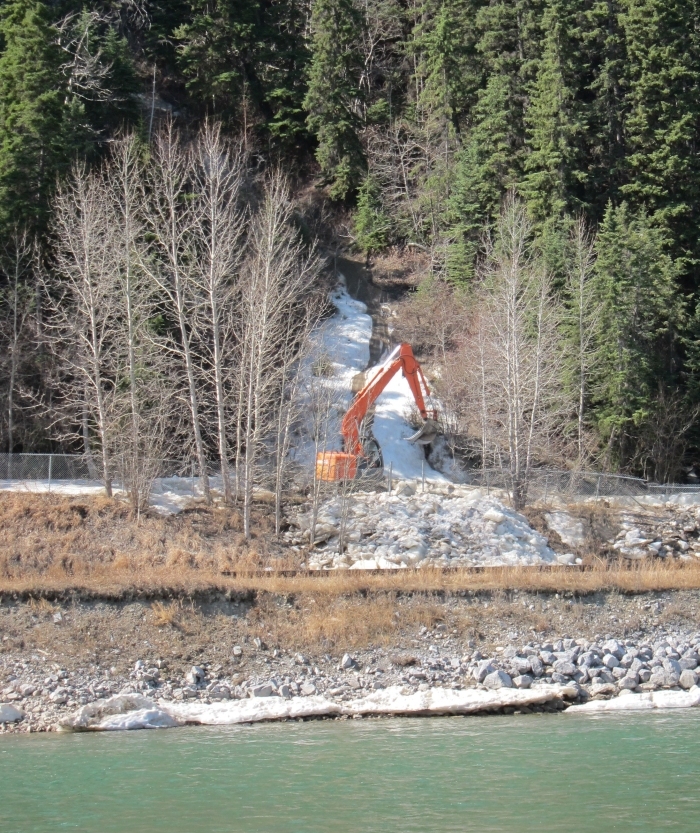 Trail closure on the Bow River Pathway