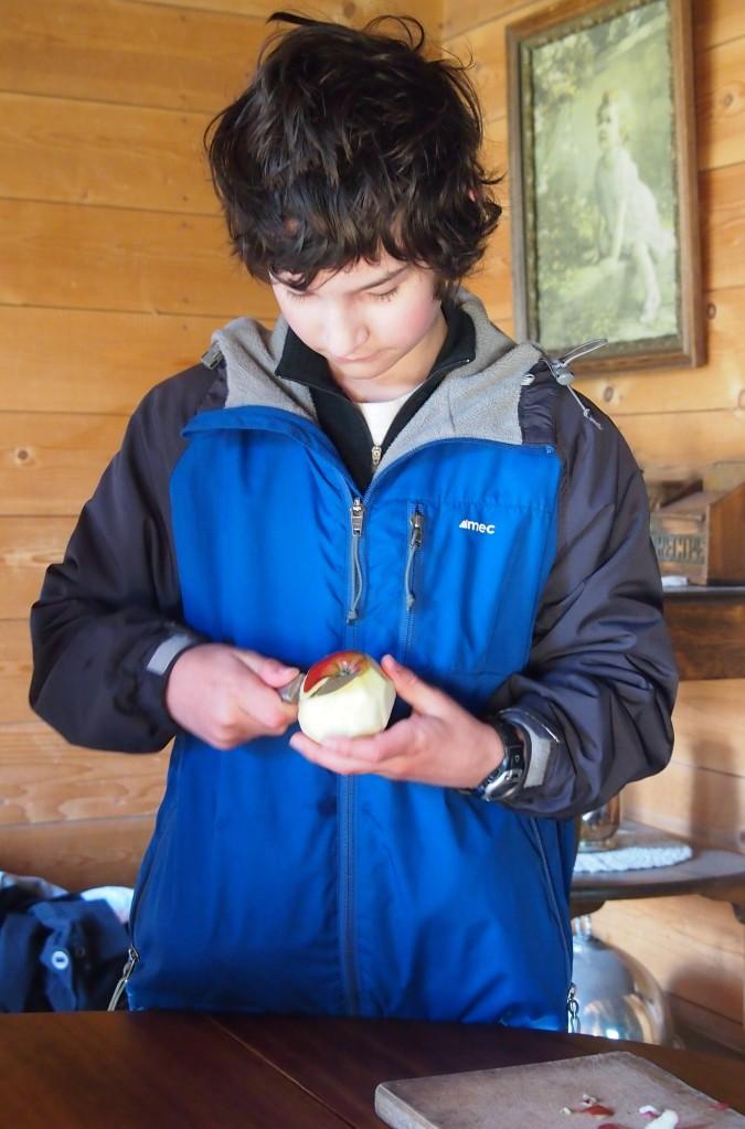 Preparing fruit