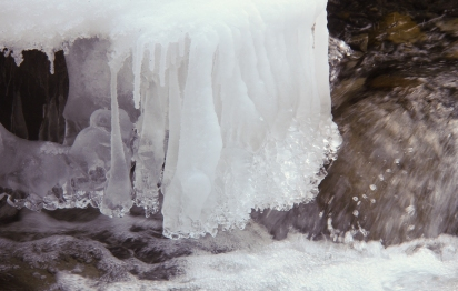 Curtain of ice along the banks of Three Sisters Creek