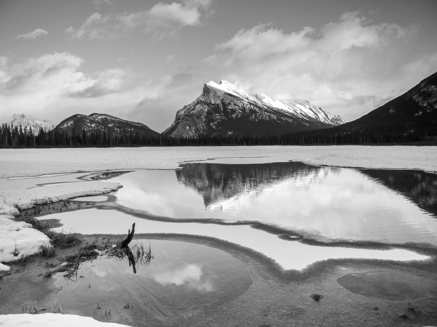 Mount Rundle across Vermillion Lake