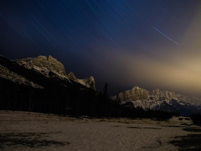 star-trail-ha-ling