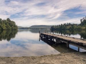Lake-Mapourika