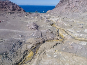 White-Island-Sulphur