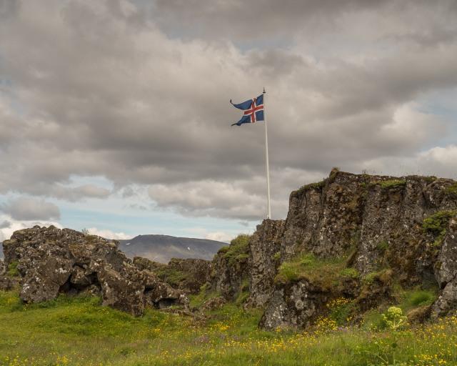 Icelandic-flag-Þingvellir