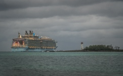 Nassau-cruise-ship