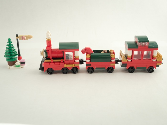 2015 Lego Holiday Bonus Set | Out and About with the GeoKs