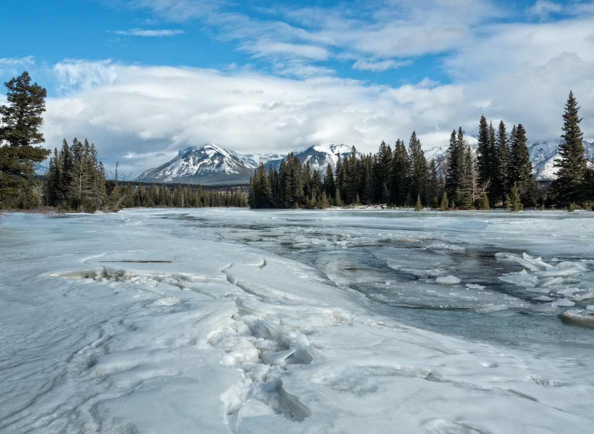 Hiking Banff National Park - Bow Falls to Hoodoos Trail