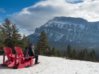 Mr. GeoK at the Tunnel Mountain Drive red chairs