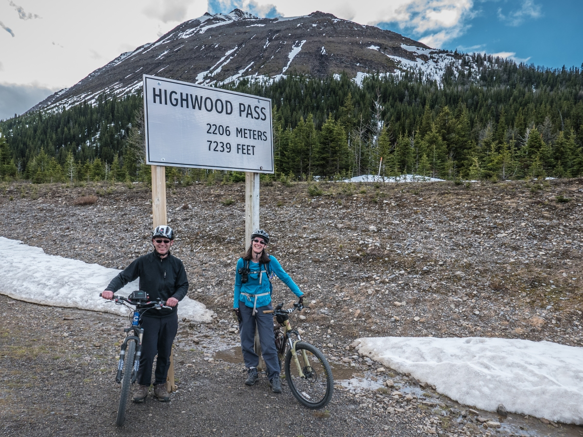 Cycling Highwood Pass