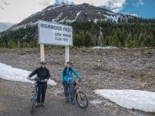 Highwood-Pass-Summit