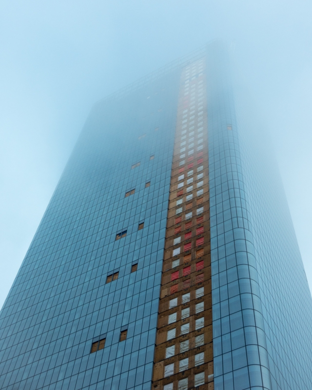Building-disappearing-into-the-fog