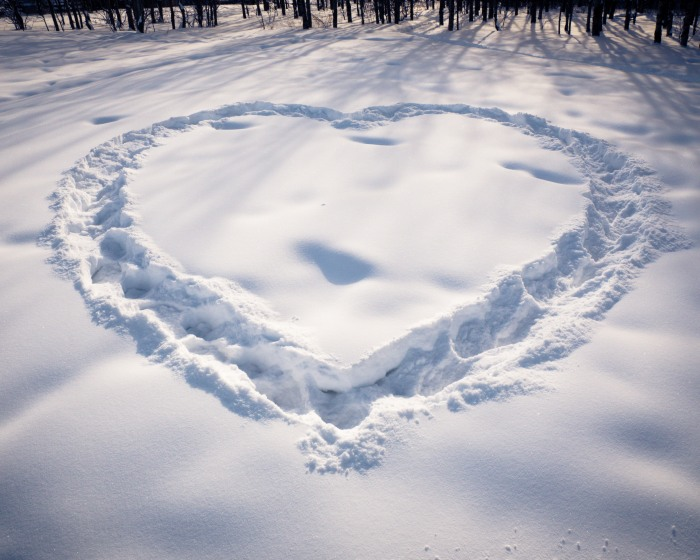 Heart-in-snow