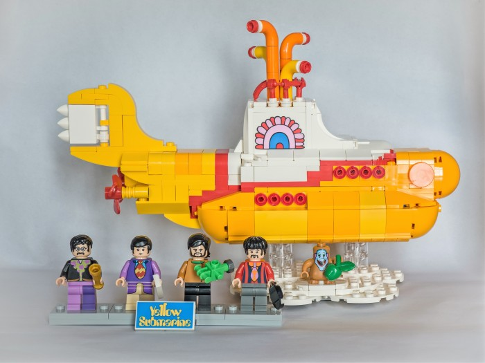 Lego-Yellow-Submarine