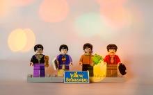 Lego-yellow-submarine-minifigs