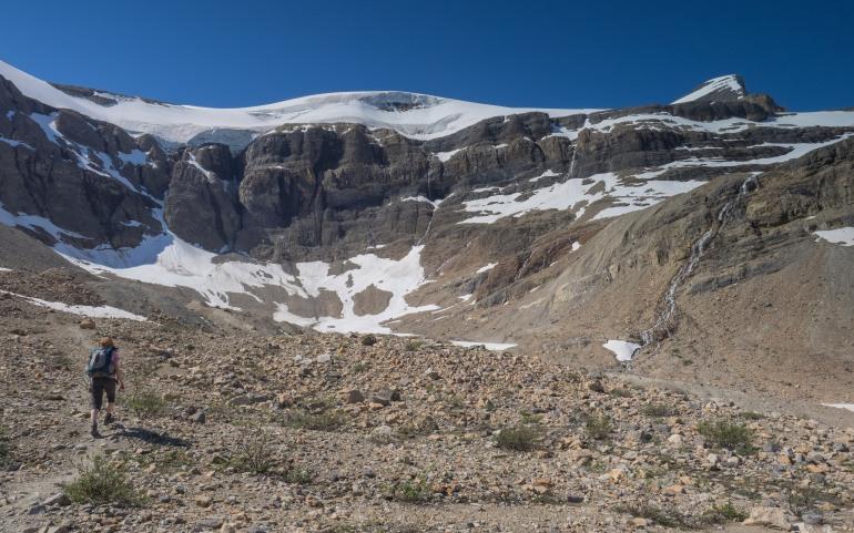 bow-hut-hike