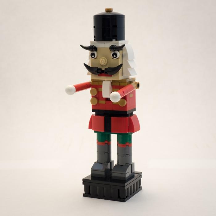 lego-nutcracker-40254