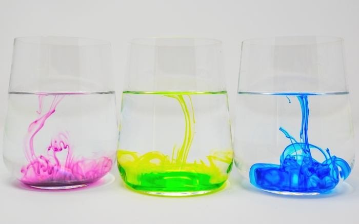 food-coloring-water-glass