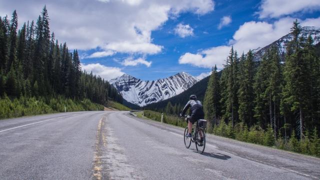 highwood-pass-bike