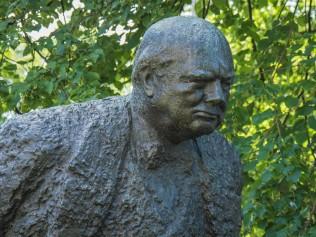 halifax-winston-churchill-statue