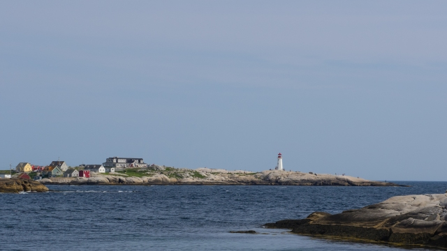 peggy's-cove-from-cranberry-cove