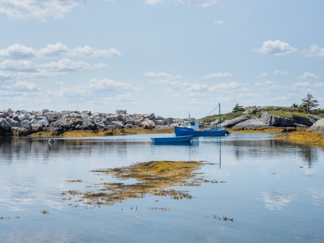 anchored-boats-near-blue-rocks-nova-scotia