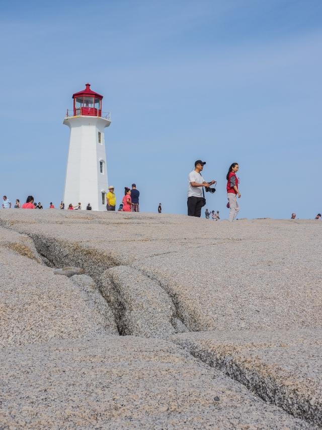 peggy's-point-lighthouse