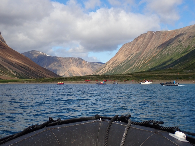 beach-saglek-fjord