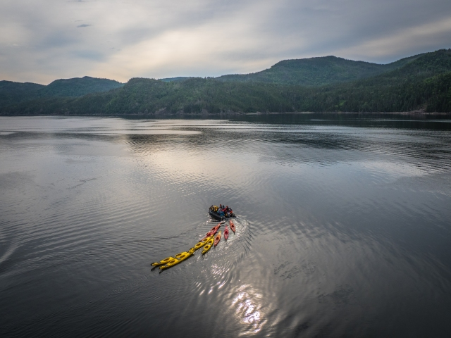 kayakers-heading-out
