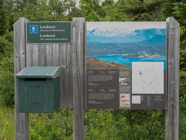 gros-morne-lookout-trailhead-sign