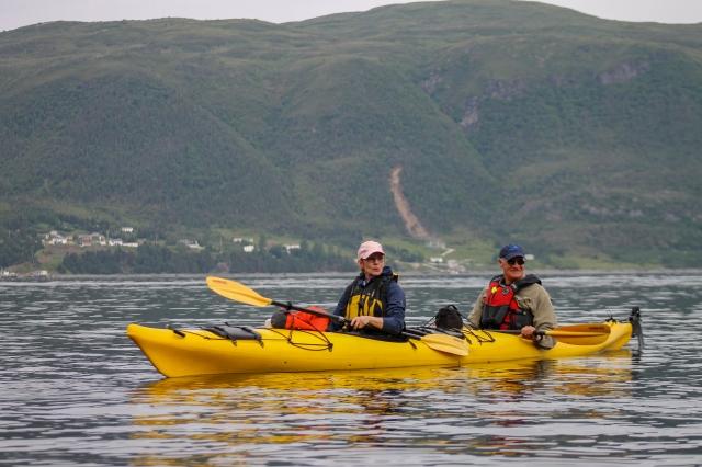kayakers-bonne-bay