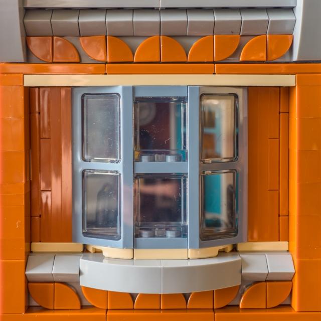 lego-corner-garage-detail