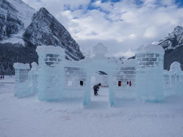 fairmont-chateau-lake-louise-ice-castle