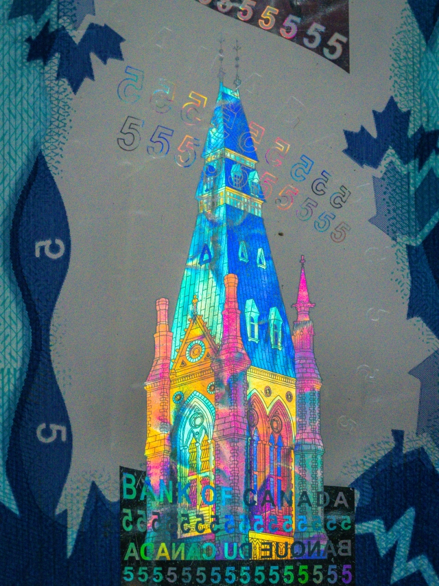 canadian-5-dollar-hologram
